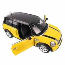 MINI COOPER CLUBMAN YELLOW